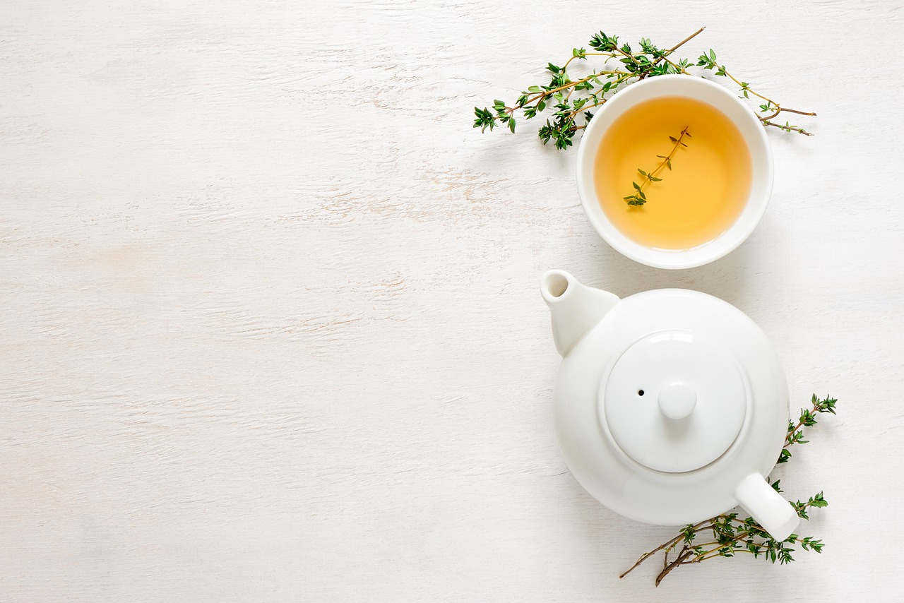 when to drink green tea before or after meal