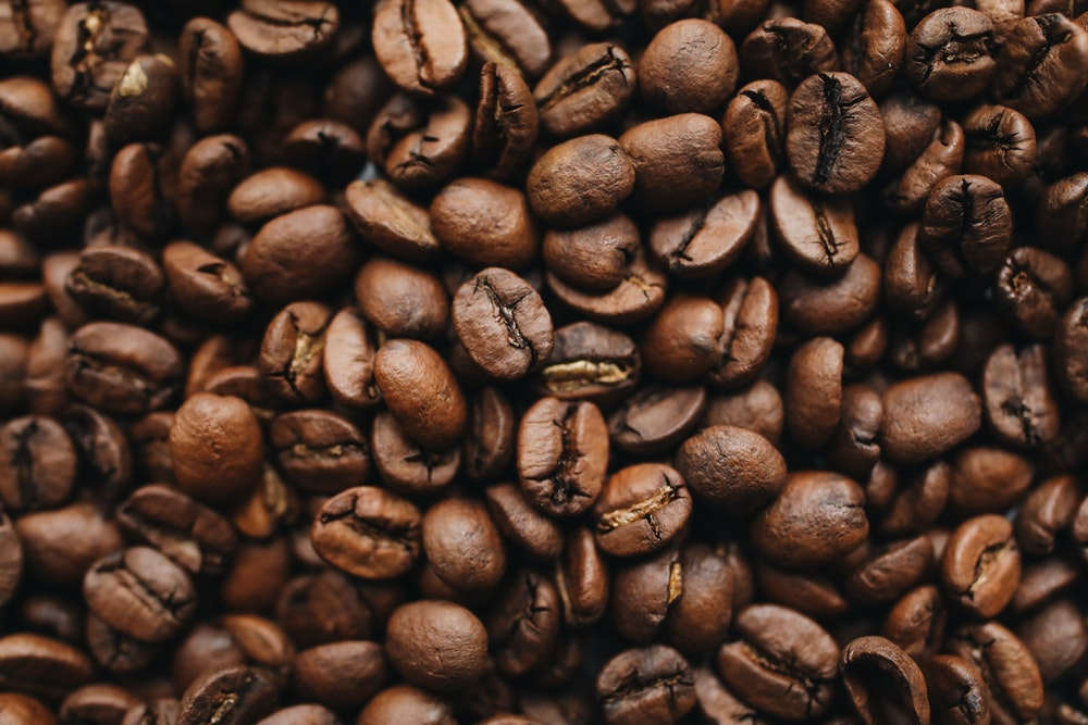 what is the difference between decaf and regular coffee